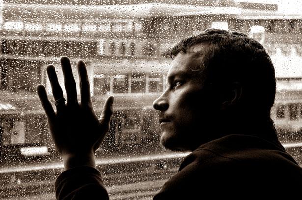 صورة صور رجال حزينه , صور حزينه لرجال