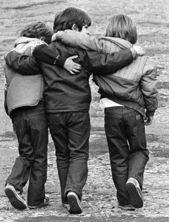صورة اقوال وحكم بالصور عن الصداقة , رمزيات عن الاصدقاء 3946 7