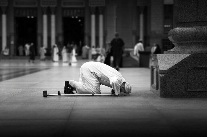 بالصور طريقة الصلاة الصحيحة بالصور , تعرف على كيفيه الصلاه الصحيحه بالصور 5899 9