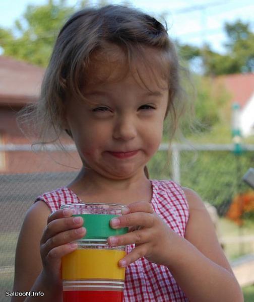 بالصور صور بنات مضحكه , صور تجنن من الضحك للبنات 1503 10