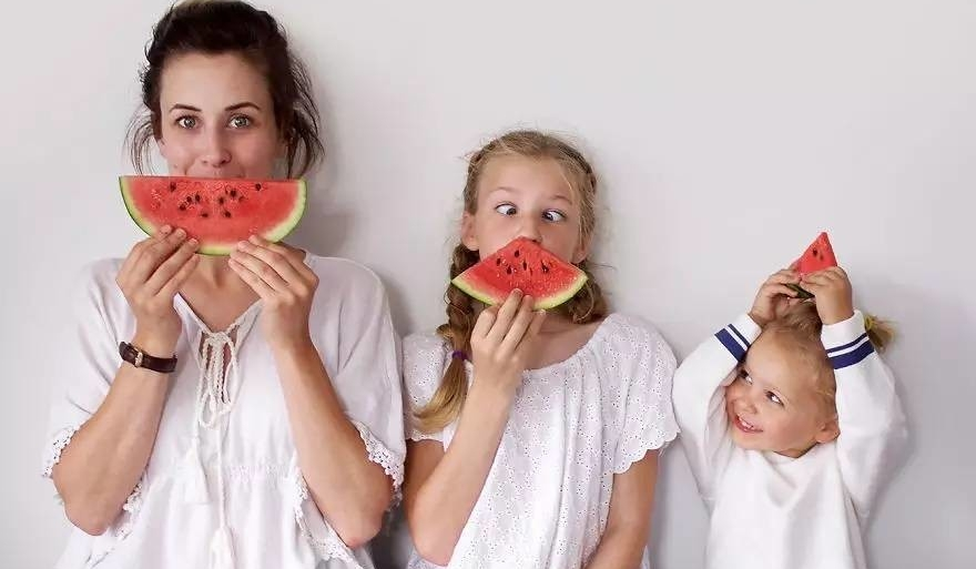 بالصور صور بنات مضحكه , صور تجنن من الضحك للبنات