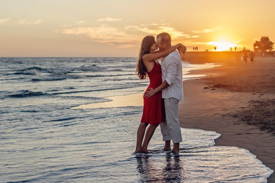 بالصور صور احضان وبوس , صور جديدة رومانسية مثيرة