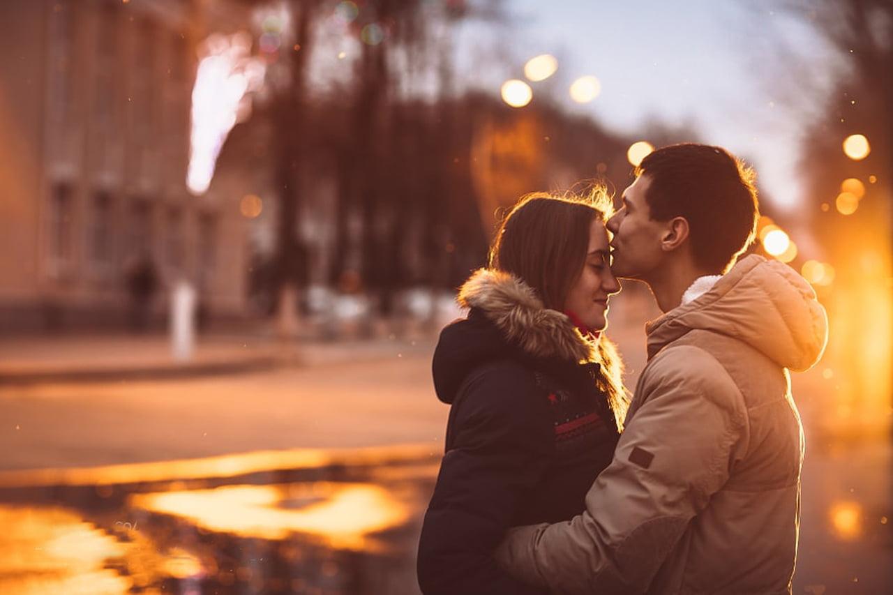 صور كيف يحب الزوج ان تداعبه زوجته