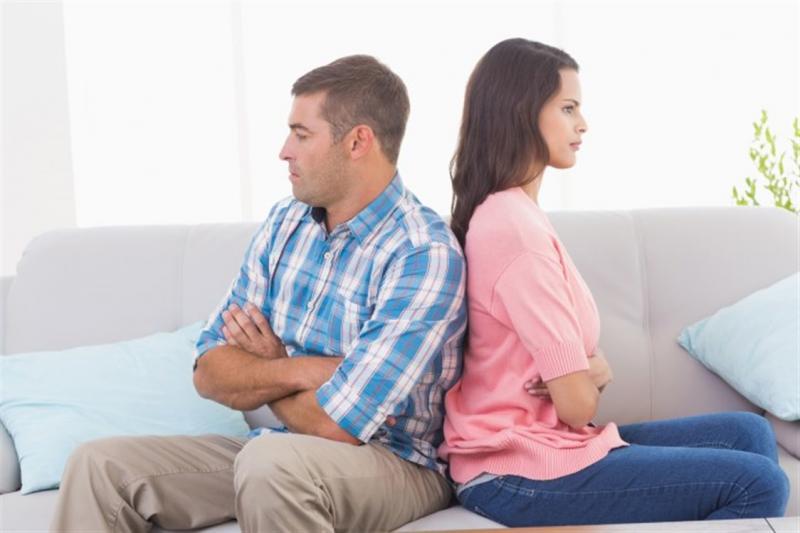 صورة اسباب نفور الزوجة من زوجها , عوامل ابتعاد الزوجه عن شريكها