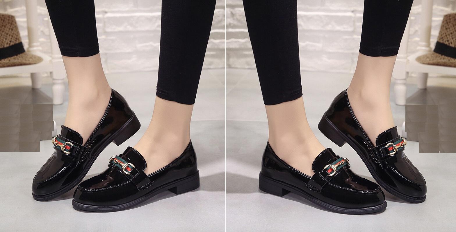 صورة تفسير حلم لبس الحذاء للمتزوجة , مامعنى ارتداء الجزمه للزوجه 6304 1