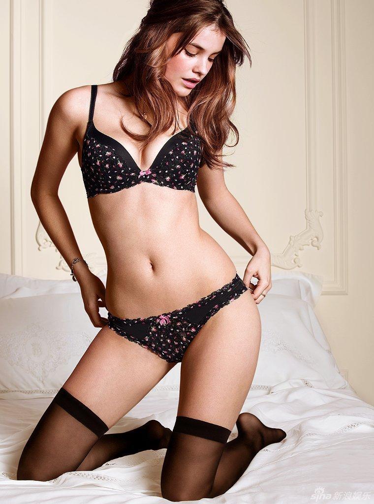 صورة صور بنات بملابس داخلية , كتالوج ثياب داخليه للنساء 842 2